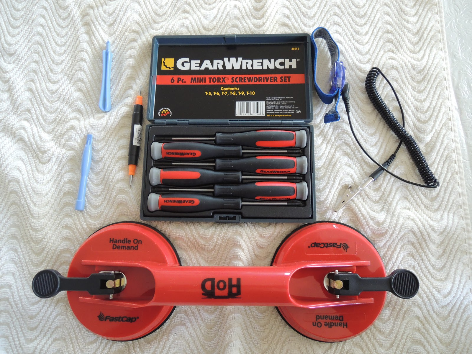 Here is the picture of the tools i used to perform the upgrade grounding wrist band 6 pc mini torx screwdriver set spudgers vacuum cups