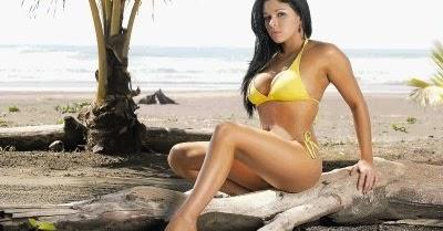Yasna lobo desnuda Nude Photos 1