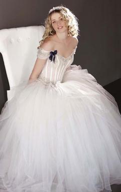 Dive dame moda e bellezza per le dive del - Abiti da sposa dive e dame ...