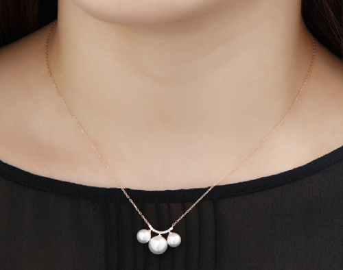 Miss Triple Pull Necklace