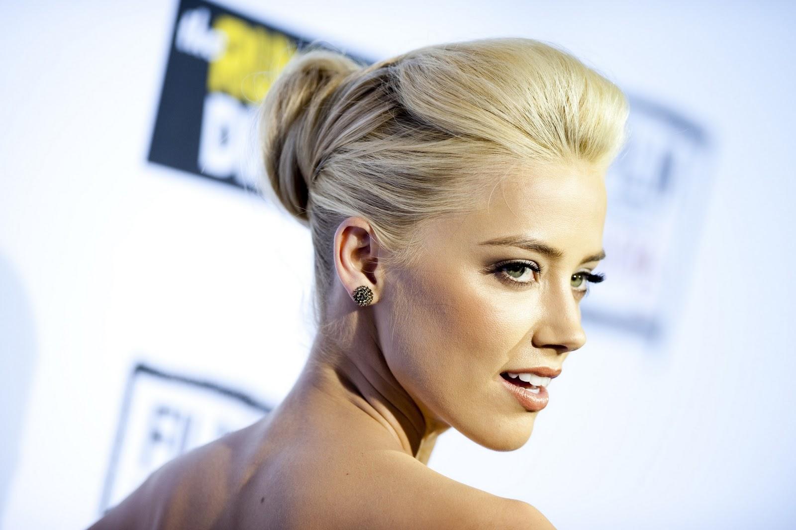 http://1.bp.blogspot.com/-Sd05Z0s_9OM/Tp52dySkTTI/AAAAAAAABiI/I1x1cCd9M7s/s1600/Amber+Heard+as+blonde+bombshell+www.ModaeAmor.com+011.jpg