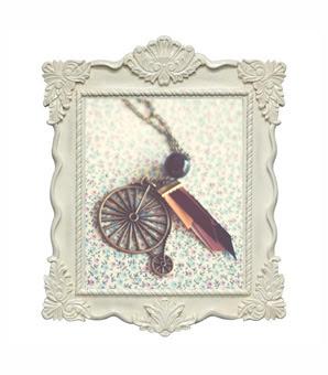 ModernismAndVintage, cute vintage accessories, chic vintage jewelry