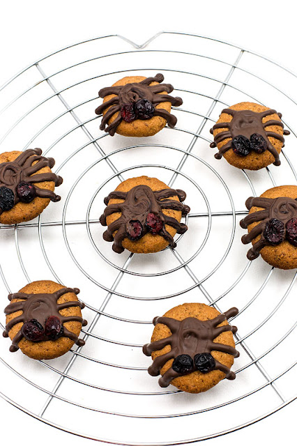 Vegan almonds cookies halloween spiders on the net