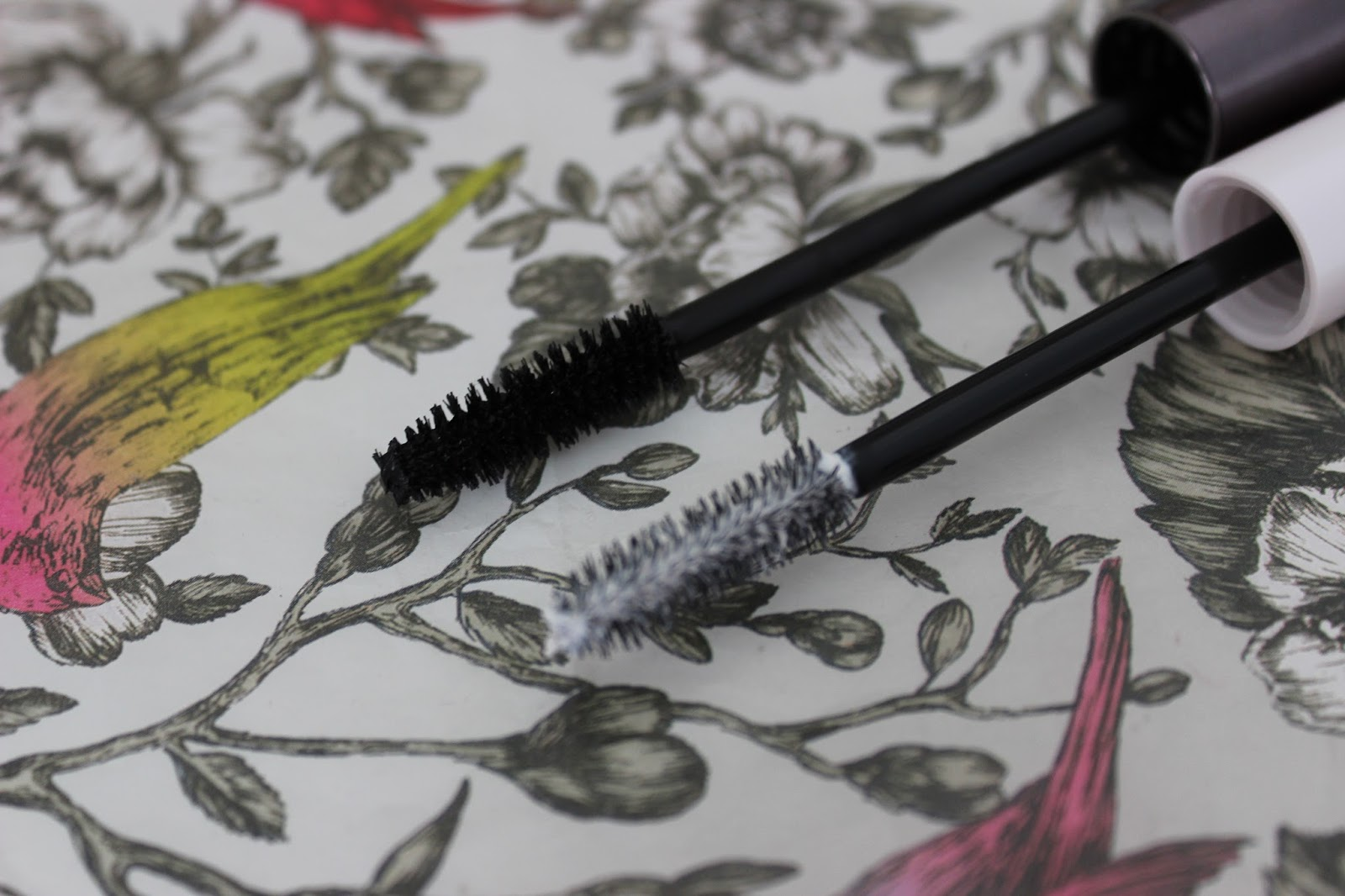 Urban Decay Perversion mascara and Subversion lash primer brush wands
