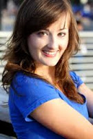 Laura Darrell, Narrator and voice over talent. Photo Image