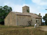 El cantó nord amb l'absidiola i l'oratori, vist des del cementiri de Sant Julià d'Úixols