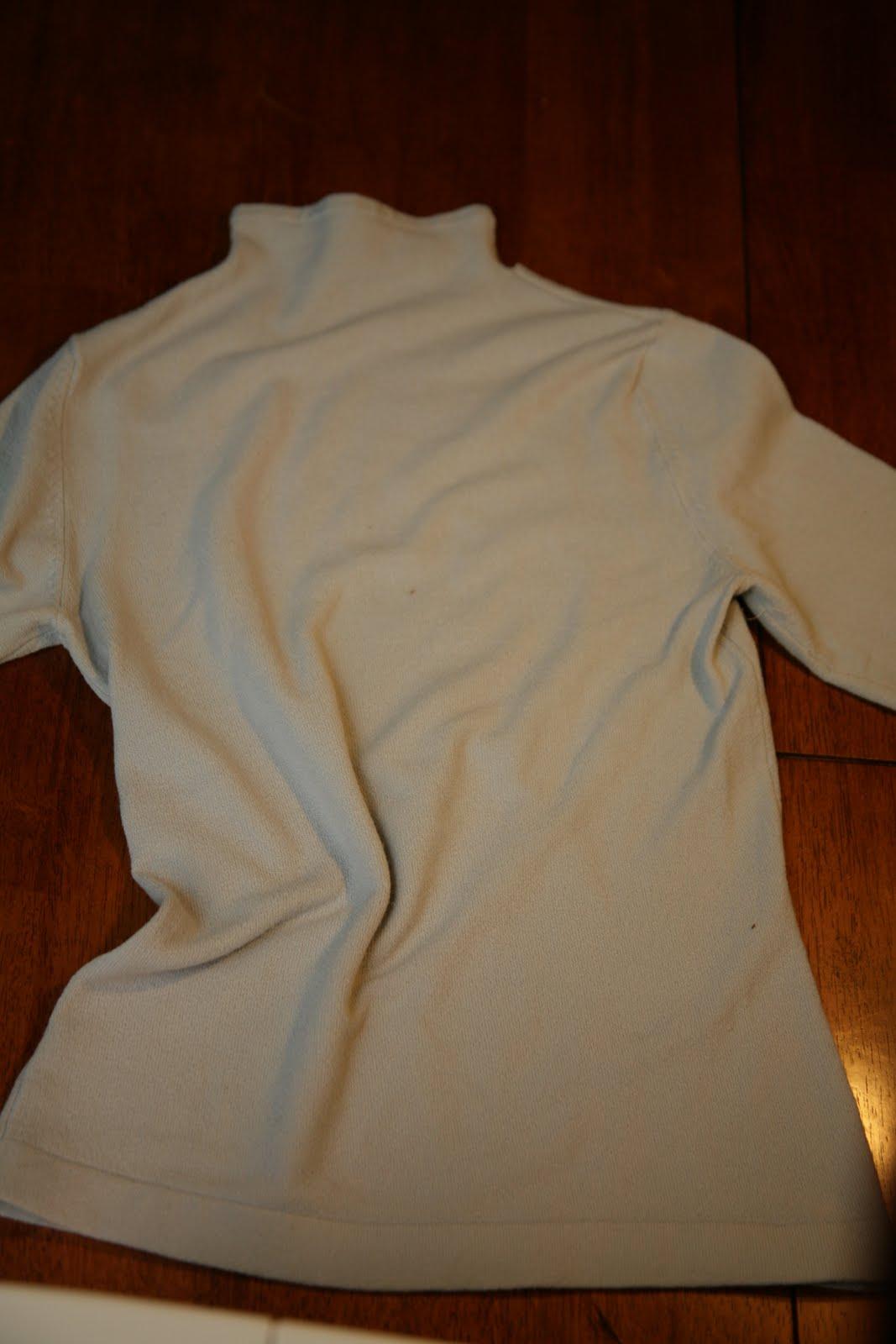 Шапочка для малыша из рукава футболки.  Часть 1. Часть 2. Что делать со старой сумкой?