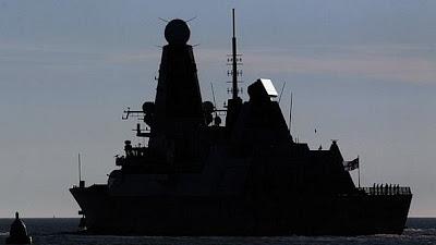 http://1.bp.blogspot.com/-SdviZDFie8U/Tyhethqs4HI/AAAAAAAAFTc/OpikWYF8k7o/s1600/Novo+navio+%C3%A9+um+dos+mais+modernos+da+Royal+Navy+(Marinha+brit%C3%A2nica).jpg
