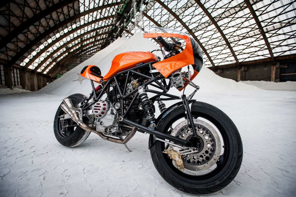 Custom Ducati 900SS Cafe Racer | Ducati 900 SS TT3 DIFAZIO | Hub-center steering