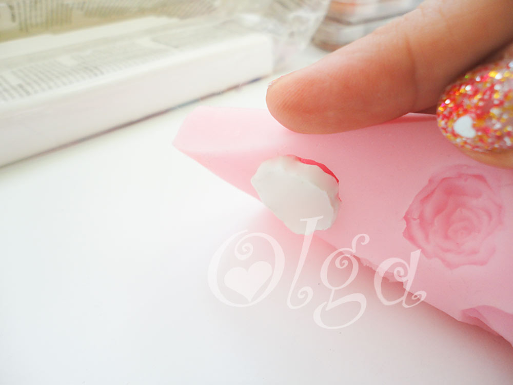 como-hacer-flores-de-fimo-con-moldes-de-jabon-how-to-make-flowers-polymer-clay-soap-molds