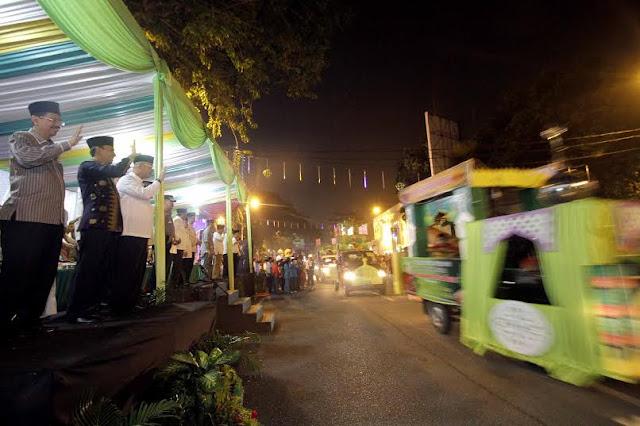 Gubsu Lepas Takbiran Keliling Warga Kota Medan