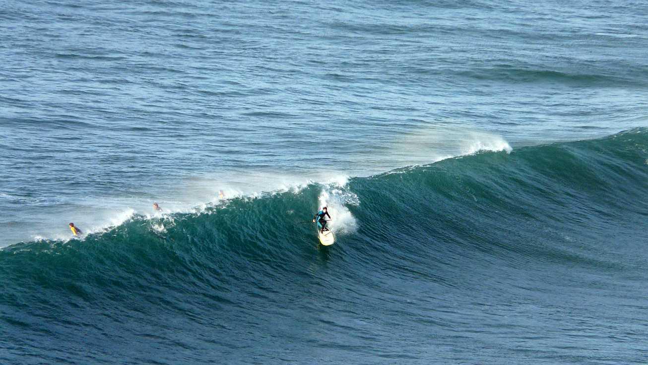 surf olas grandes menakoz 22