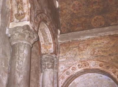 San Julián de los Prados, interior