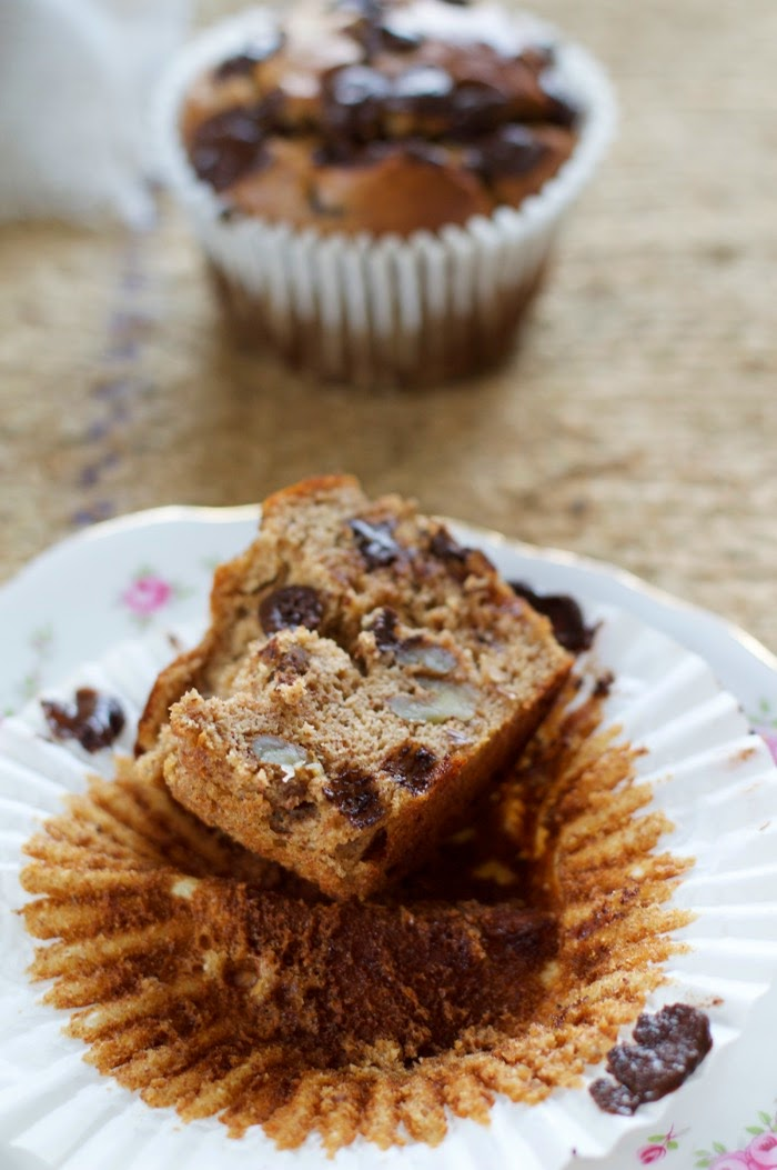 grain-free flourless banana walnut chocolate muffins
