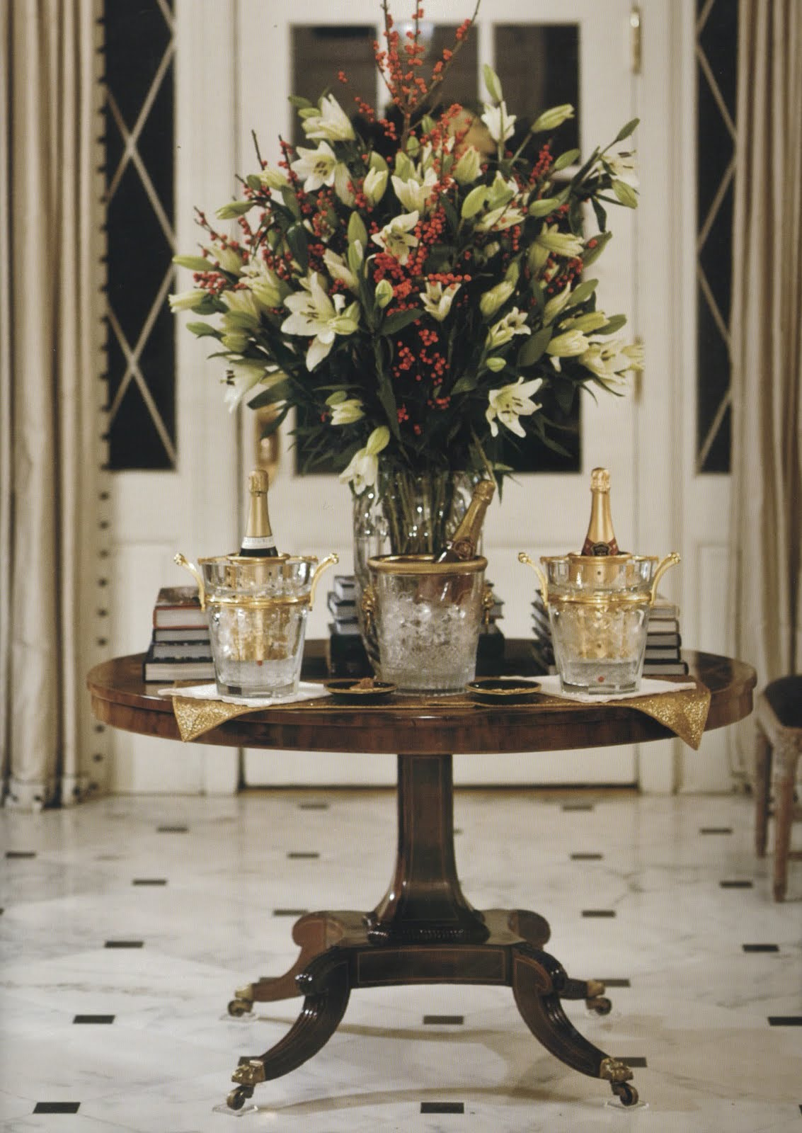 Foyer Table Flowers : Debbie jacobs interior design soiree with danielle rollins