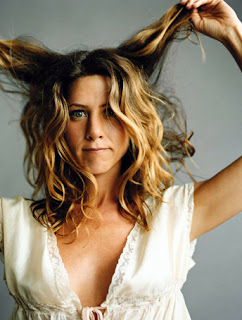 jennifer-aniston-loose-curls.jpg