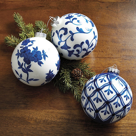 Chinoiserie Holiday Accents East Meets South