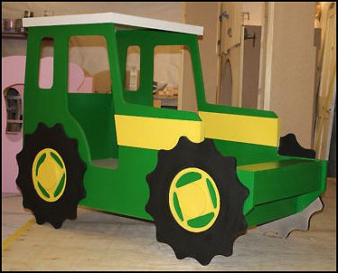 Tractor Bed Frame http://themerooms.blogspot.com/2012/08/theme-beds-novelty-furniture.html