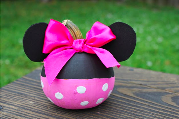 DIY: Not So Scary Minnie Mouse Pumpkin