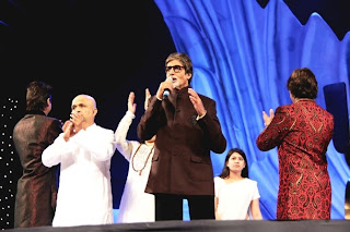 Amitabh Bachchan & other celebs at Global Peace concert