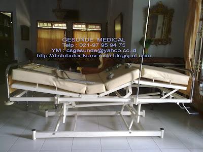 ranjang pasien bekas 3 engkol manual murah