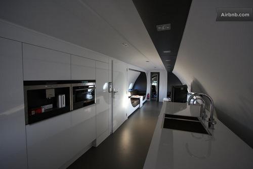 Jet-plane-hotel-Ilyushin-18-Hotel-Honecker-Ben-Thijssen-06