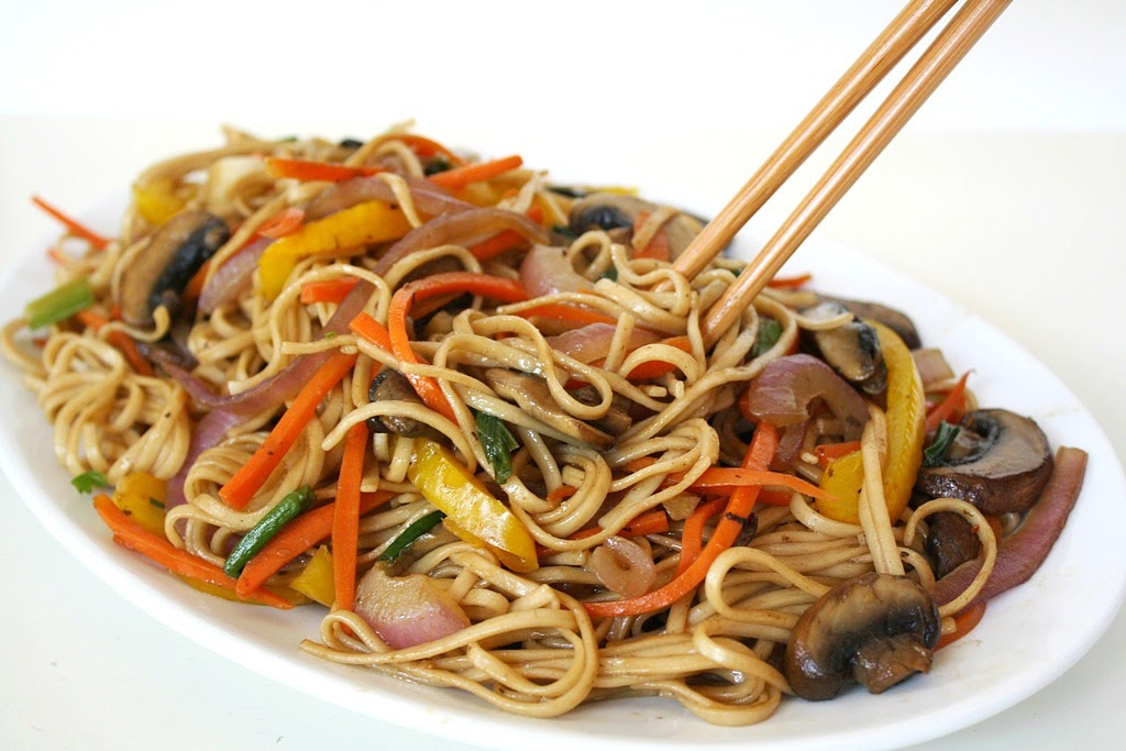 The Garden Grazer: Vegetable Lo Mein