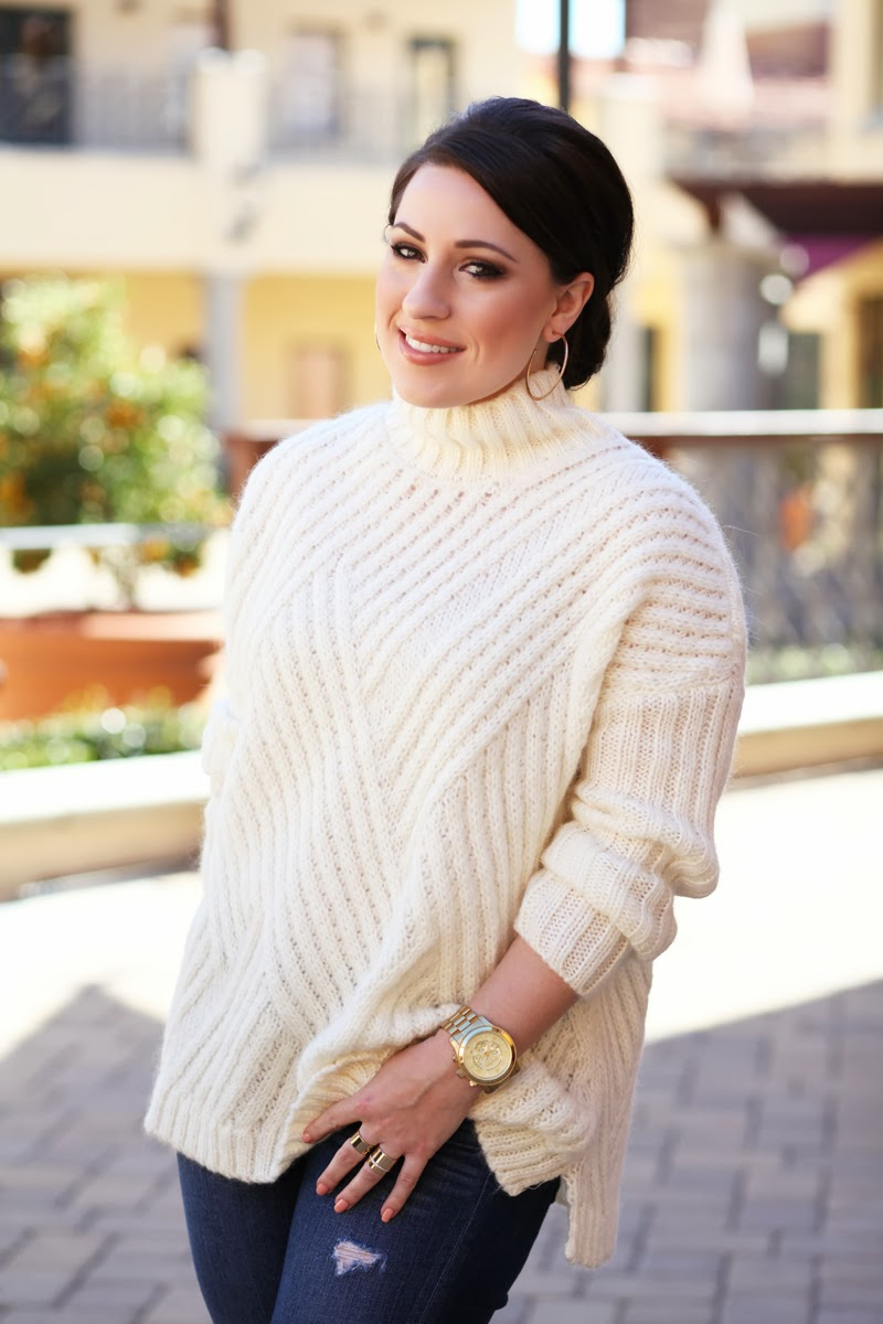 loft-petite-jeans-oversized-white-sweater-michael-kors-gold-watch-king-and-kind-fashion-blogger-san-diego-makeup-brunette-brown-smokey-eyeshadow