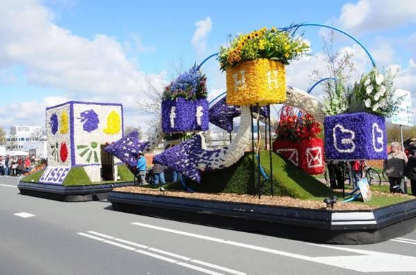 صور لمهرجان موكب الزهور هولندا