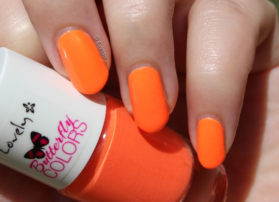 Lovely Butterfly Colors neon nail polish nr. 4
