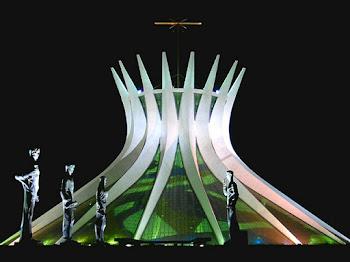 Brasília e a eletricidade - alguma coisa em comum?