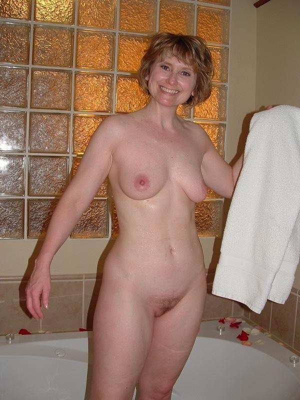 young bonnie naked leaks