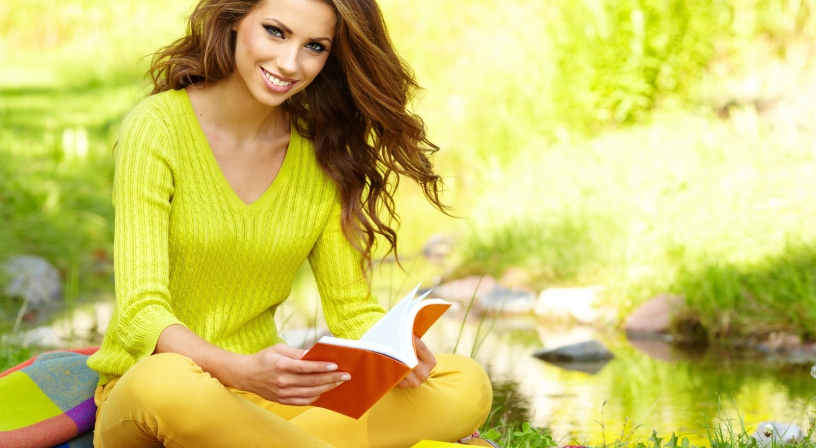 Love Girl Reading Wallpaper : Beautiful Girls HD Wallpapers Download 1080p Ultra HD Wallpapers hdwallpaperspack.in