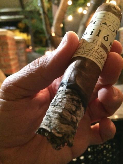 CAO Pilon Robusto cigar 4