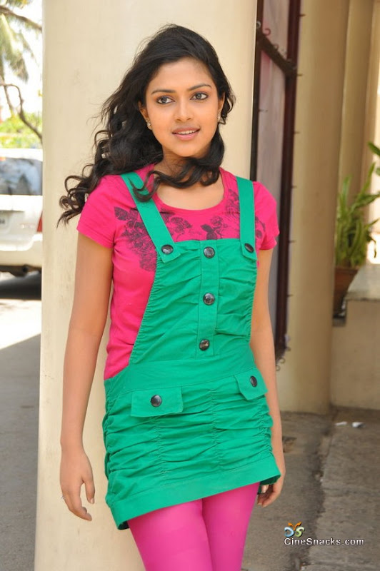 Amala paul new photosstillslatest pictures glamour images
