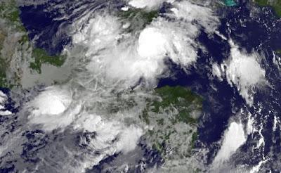 Sondermeldung Yucatán (Mexiko), Belize und Guatemala: Schlimmer Regen erwartet, Yucatán, Cancún, Playa del Carmen, Riviera Maya, Belize, Guatemala, Wettervorhersage Wetter,  Mexiko, Oktober, 2011, Hurrikansaison 2011, aktuell, Satellitenbild Satellitenbilder, Radar Doppler Radar,