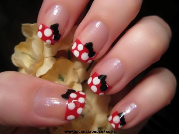 se dedican a la decoración de uñas son todas unas profesionales de
