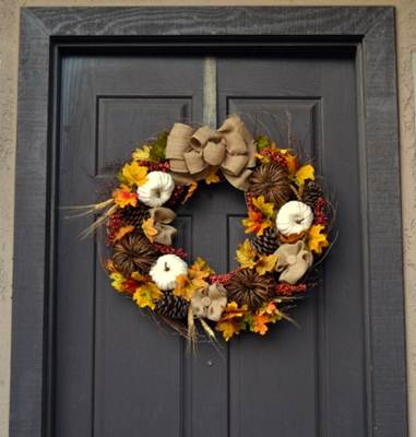 http://homeremediesrx.com/2014/09/diy-fall-wreath-tutorial/