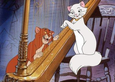 O'Malley and Dutchess The Aristocats 1970 animatedfilmreviews.filminspector.com