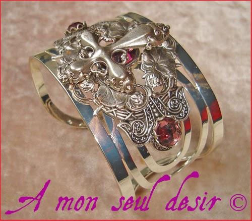 Bracelet Gothique Croix Argentée Silver Cross Gothic Goth Jewelery