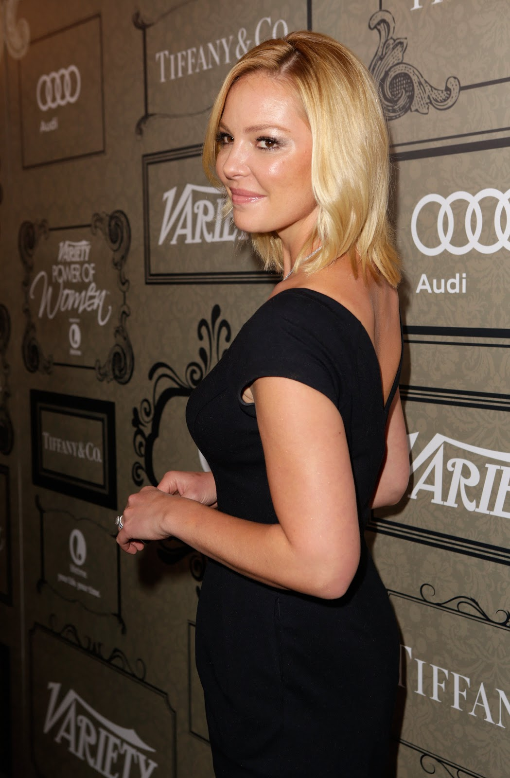 http://1.bp.blogspot.com/-SiJsxS6R8_c/UIPZAI6jXjI/AAAAAAAAi_c/B1Q7MemOs1U/s1600/Katherine+Heigl+-+Variety%2527s+4th+Annual+Power+of+Women+Event+in+Beverly+Hills+-+October+10%252C+2012+3.jpg