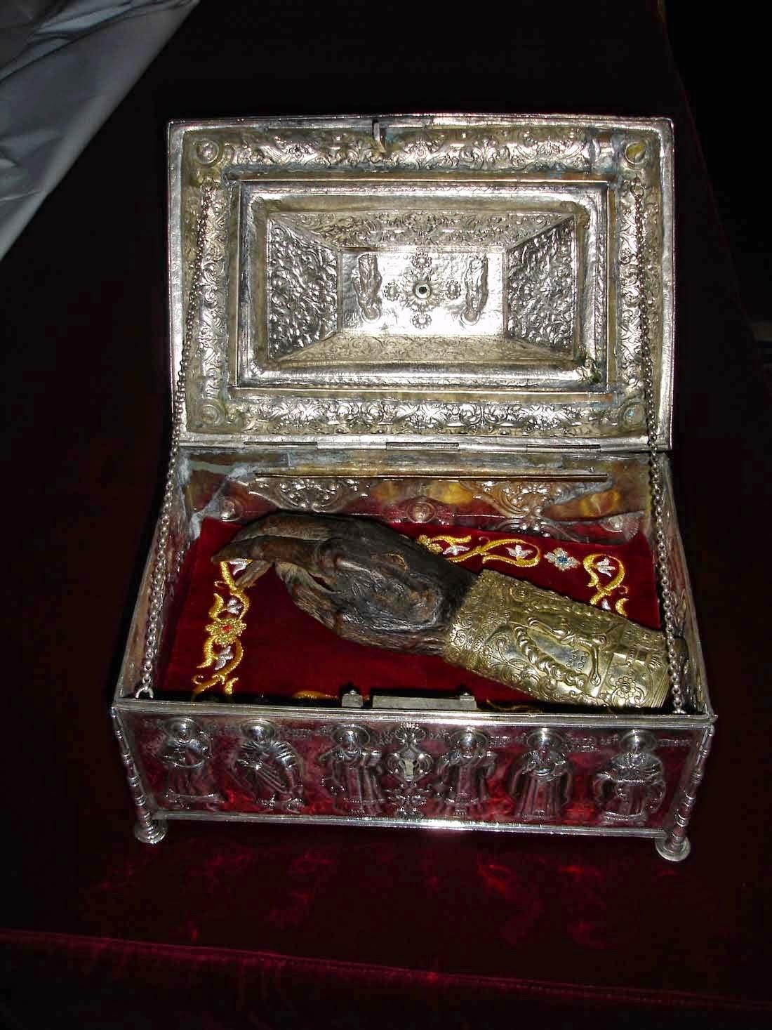 Το δεξί χέρι του Αγίου Γρηγορίου του Θεολόγου http://leipsanothiki.blogspot.be/