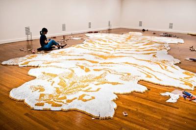 إبداع الفن التشكيلي سجادة من السجائر xubing-tobacco-rug-1
