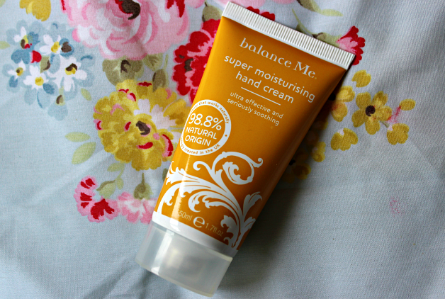 Review Balance Me Super Moisturising Hand Cream