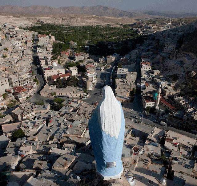Cidade de Maalula, Síria, devastada por islamitas que obedecem o Corão à risca