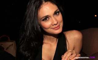 Luna Maya - Artis Hot