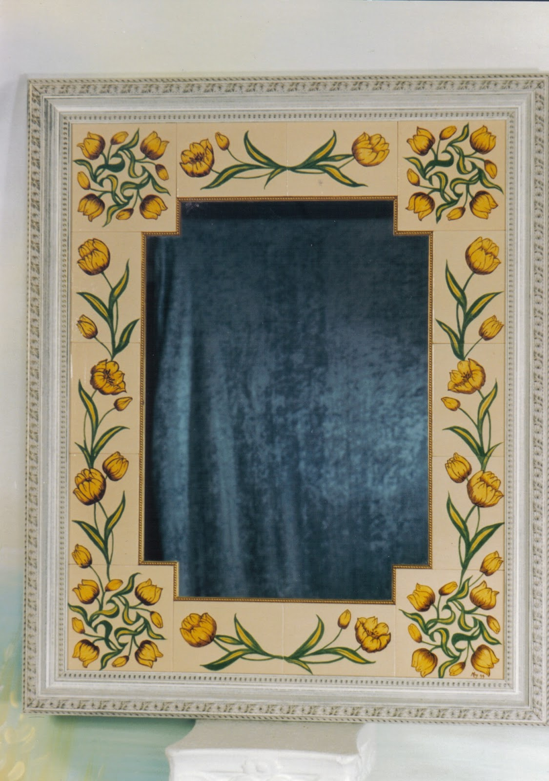 Marcos decorados para espejos imagui for Espejos ovalados decorados
