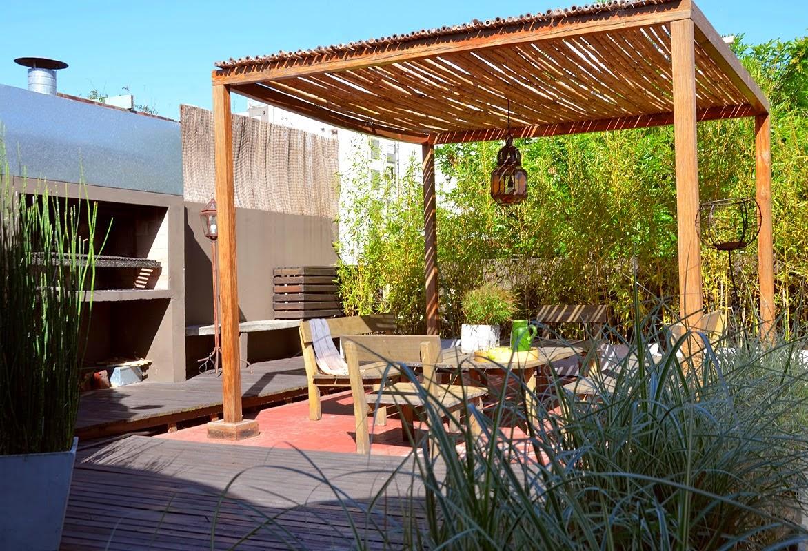 Consejos para decorar jardines en terrazas y balcones - Como hacer un toldo para pergola ...