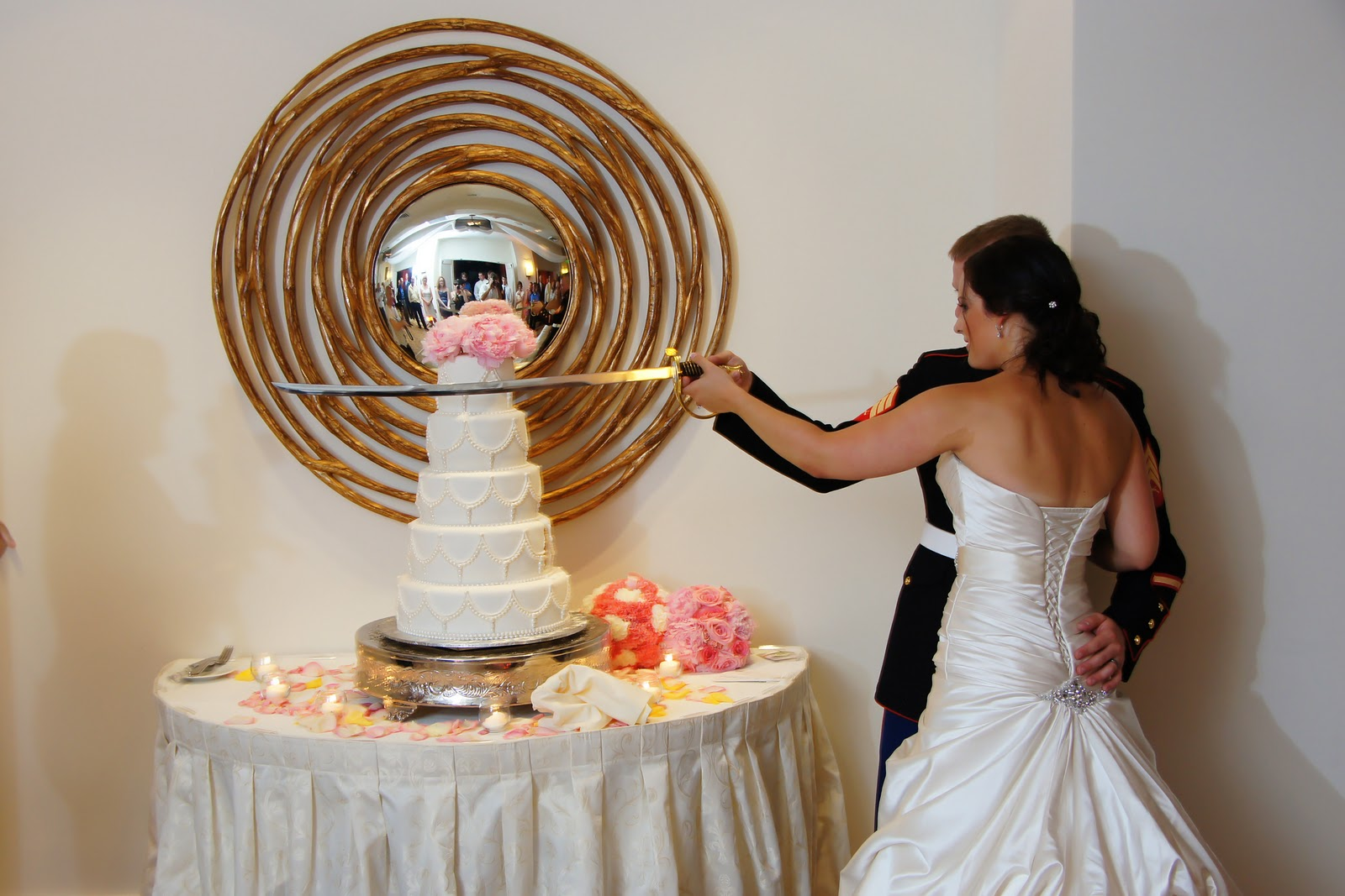 The cake zone will you know how to cut your wedding cake one reason for cutting the bottom layer of the wedding cake junglespirit Image collections