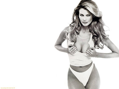 German Model Claudia Schiffer Hot Wallpaper